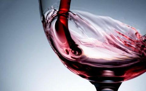 玛歌尊爵2012葡萄酒怎么进行摇杯?