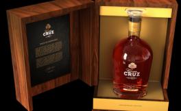 克鲁兹酒庄发售陈年茶红波特酒