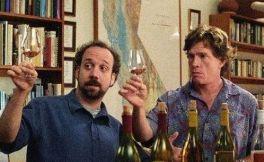 """一杯红酒配电影,听说《羞羞的铁拳》和""""它""""更配哦!"""