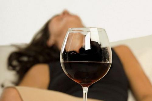 酒喝多了喝什么解酒_解酒方法_葡萄酒网