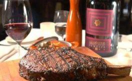 牛排配红酒怎么吃?