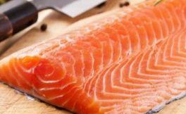 红酒配三文鱼,当下最流行吃法???