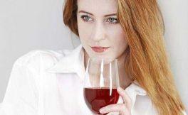 经期可以喝红酒吗?经期喝红酒好处和坏处有哪些?