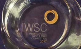 """张裕葡萄酒公司荣获2017IWSC""""年度中国葡萄酒生产商""""称号"""