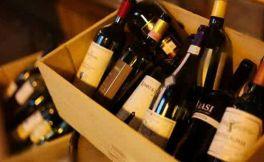 今年前十个月,江苏连云港口岸共进口70多万升葡萄酒