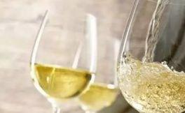 白葡萄酒杯如何挑选