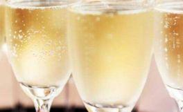 香槟酒是什么酒?为什么这么贵?