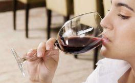 入门葡萄酒知识:葡萄酒扫盲,这些谎言你别信