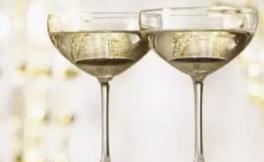张祎:笛形杯OR碟形杯,究竟哪种杯型更适合品鉴香槟?