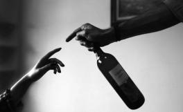 为什么说葡萄酒是值得相伴一生的伴侣?