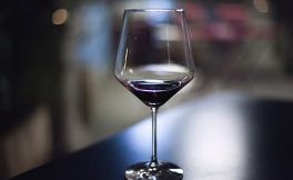干红葡萄酒的年份、保质期、适饮期有什么意义?