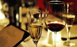 彭佳:这瓶葡萄酒含有二氧化硫,不敢喝?