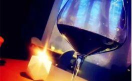 红酒又涩又苦,为什么都还抢着喝?