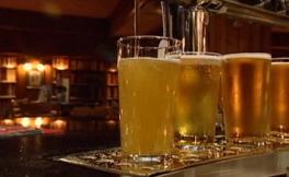 2018年开始,美国法律允许酒类公司提供免费或打折交通服务