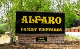 阿尔法罗家族酒庄(Alfaro Family Vineyard & Winery)