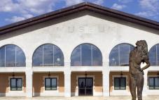 皇家穆苏酒庄(Bodegas Museum Real)