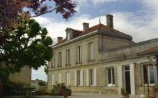 卢萨克酒庄(Chateau de Lussac)