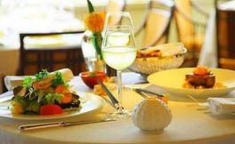 甜白葡萄酒配什么食物合适?