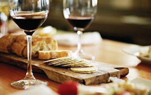 葡萄酒搭配应该遵循什么原则?
