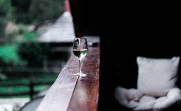 人生如酒,难免苦涩
