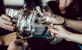 年底聚会多,教你一个喝酒不伤身体的技巧,太实用了!