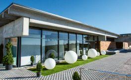 西班牙贝尔莱酒庄在卢埃达产区开设新酒厂