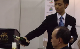 澳门新濠锋酒店首席侍酒师Joe Yang专访:在凌晨站着复习葡萄酒课本