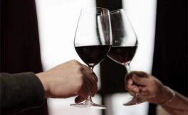 做好这四步,喝红酒更醇美