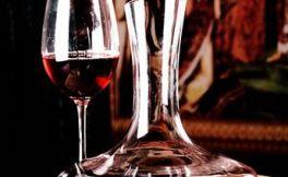 红酒杯怎么清洗最干净?