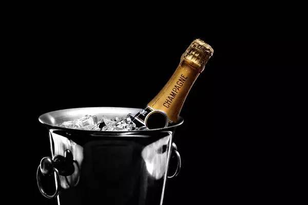 如何品鉴蒙大维酒庄的白富美干白葡萄酒才是正确的呢