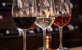 """仙粉黛葡萄酒:""""红""""版与""""白""""版的特征有哪些区别,你知道吗?"""