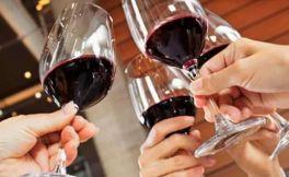 冬日吃火锅别忘记葡萄美酒  为什么呢