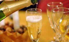 香槟好喝但难品这是为什么呢?