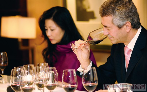 品鉴红酒不容易犯的八大错误