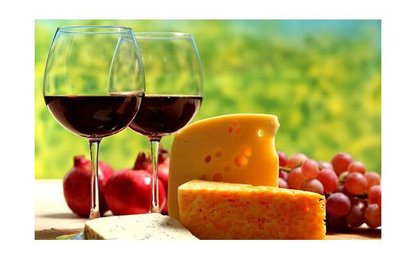 葡萄酒+奶酪搭配 女性这么吃可以瘦身