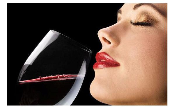 喝不完的红酒怎么废物利用成护肤圣品呢