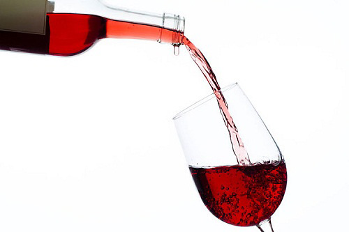 三种方法快速分辨进口红酒