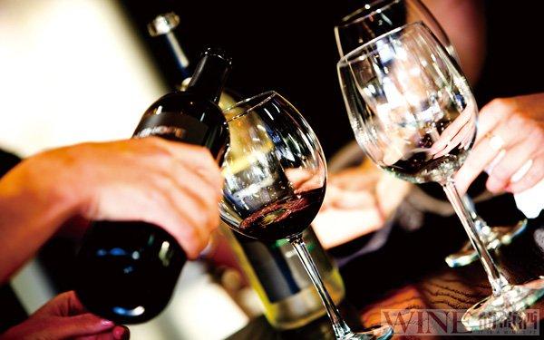 葡萄酒对于老年人有很多好处