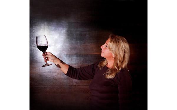 关于葡萄酒摇杯的入门知识