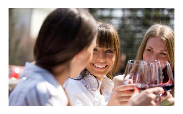 女人,对自己好可以喝红酒