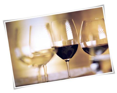 记得,各类葡萄酒适饮温度不同