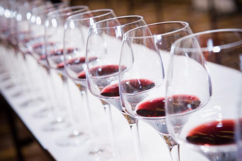 跟着大师轻松辨认法国葡萄酒