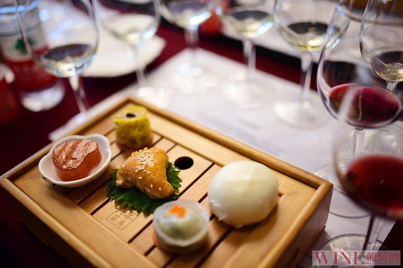 三种不适合跟红葡萄酒搭配的食物