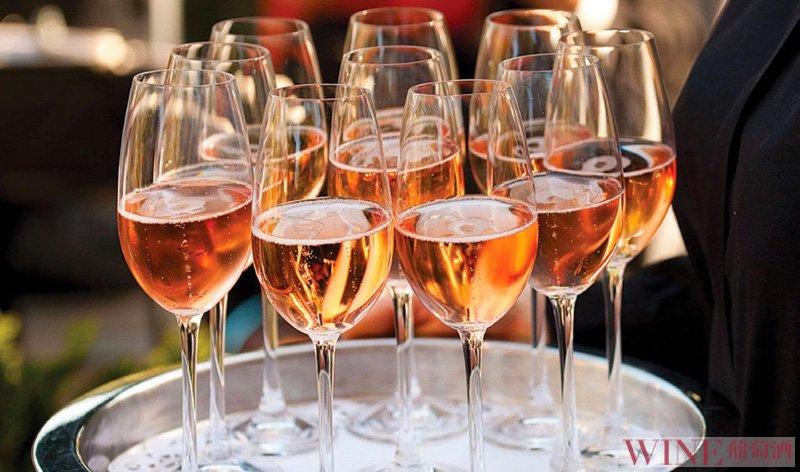葡萄酒与爱情 一杯酒换一个故事