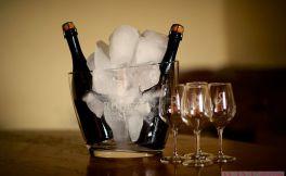 品鉴冰桶香槟