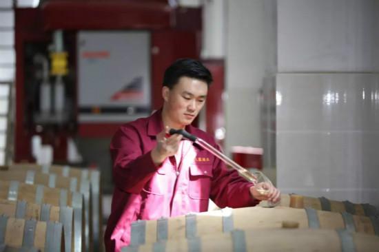 专访新疆天塞酒庄助理酿酒师马鹏功