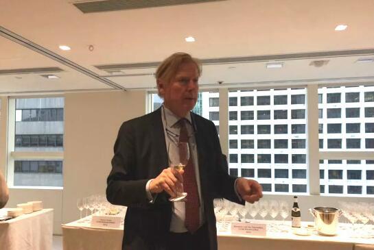 葡萄酒专家Jasper Morris认为全球变暖促使勃艮第葡萄园不断向上移动