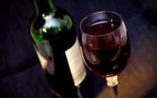 不同种类的葡萄酒开瓶后能放多久?