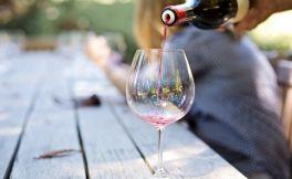 6种常见的葡萄酒缺陷及其气味
