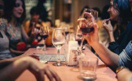 博若莱新酒节:庆祝博若莱新酒发布
